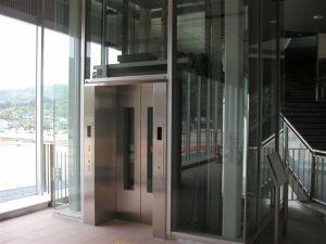 九州新幹線の新大牟田駅のガラスフィルム01