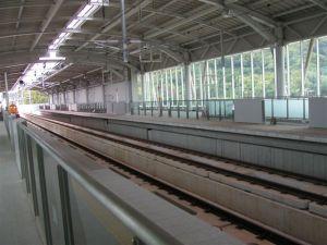 九州新幹線の新大牟田駅のガラスフィルム02